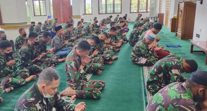 Kodam XVIII/Kasuari Doa Bersama Peringati HUT ke-76 TNI