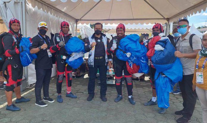 Panglima Kodam XVIII/Kasuari Semangati Atlet Terjun Payung Papua Barat